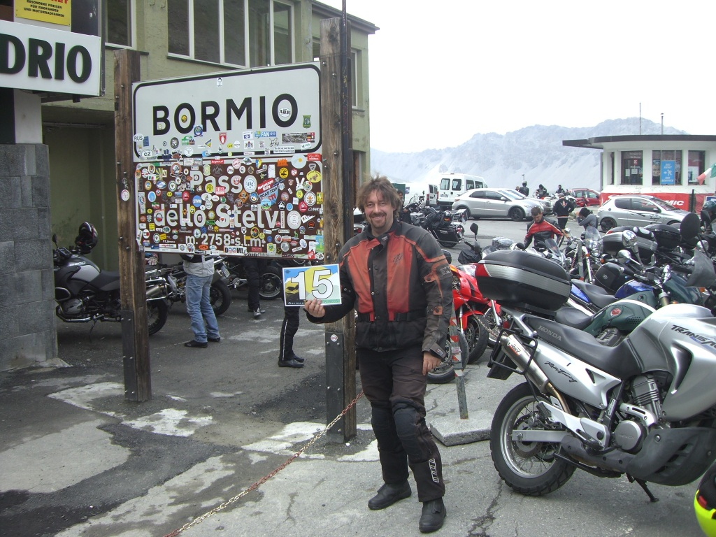 Despite having done the Stelvio two times due to a forgotten rally flag at the previous point I was still smiling! (credits to Gerald for taking the picture)
