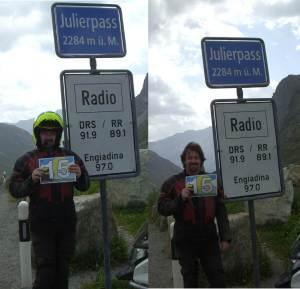 Zweimal am Julierpass. Einmal um 10:25 h mit Helm Trottel!), einmal um 10:30 h ohne.