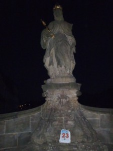 6:33 h: St. Kunigunde statute, historic centre of Bamberg.