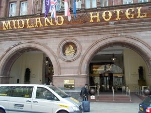11:36 h. The Midlands Hotel in Manchester.